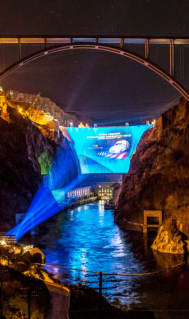 Photo Gallery of the spectacular world premiere of the Freightliner Inspiration Truck at Hoover Dam